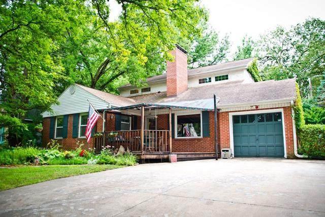 305 W Delaware Avenue, Urbana, IL 61801 (MLS #10808240) :: Ryan Dallas Real Estate