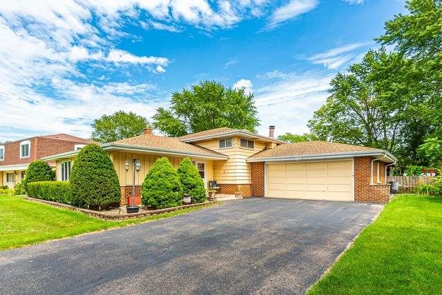 5N441 Fairway Lane, Itasca, IL 60143 (MLS #10808860) :: John Lyons Real Estate