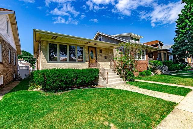2720 Clarence Avenue, Berwyn, IL 60402 (MLS #10809132) :: Janet Jurich