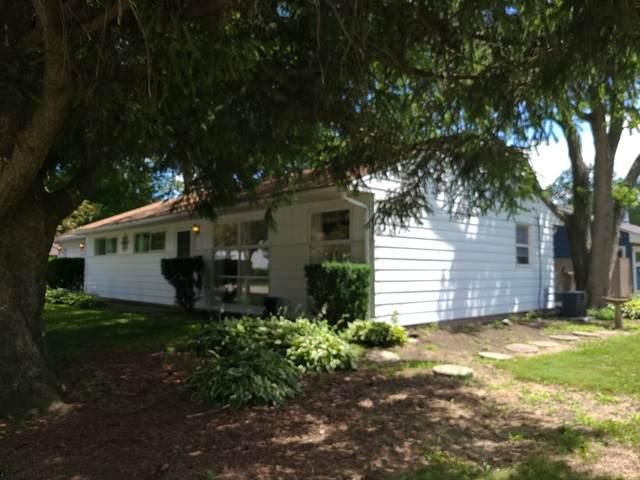 704 E Elm Street, Wheaton, IL 60189 (MLS #10809867) :: Lewke Partners