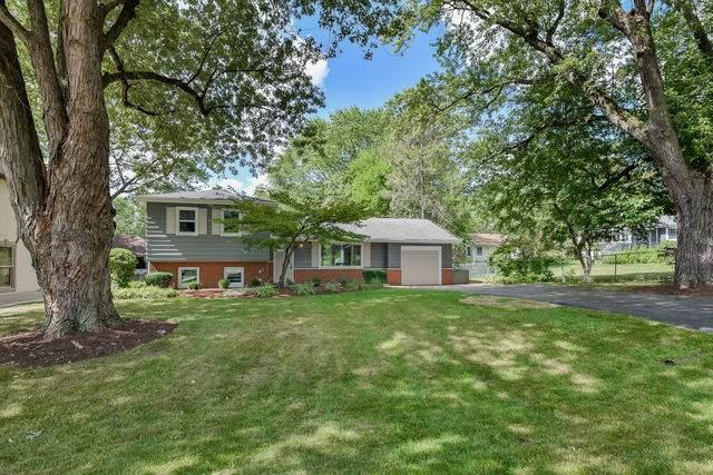 22W541 Balsam Drive, Glen Ellyn, IL 60137 (MLS #10810143) :: BN Homes Group