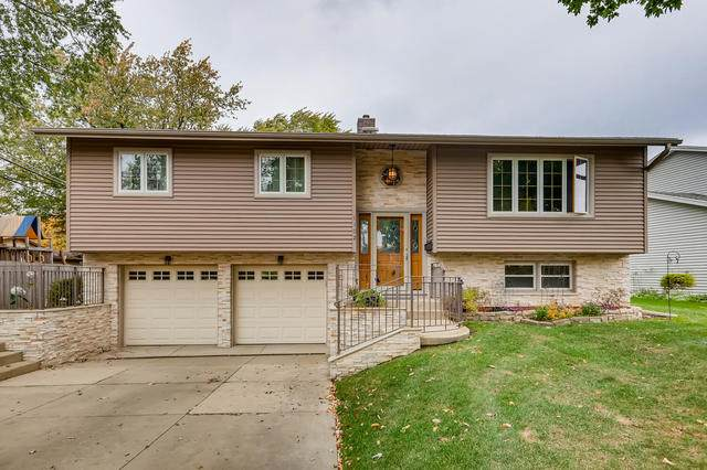 1102 E Dogwood Lane, Mount Prospect, IL 60056 (MLS #10810745) :: Helen Oliveri Real Estate
