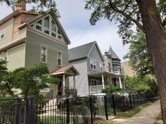 4532 N Ashland Avenue, Chicago, IL 60640 (MLS #10811223) :: Angela Walker Homes Real Estate Group