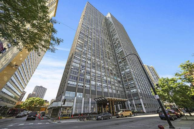 655 W Irving Park Road #3109, Chicago, IL 60613 (MLS #10811649) :: Lewke Partners