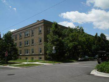 4452 Winchester Avenue - Photo 1