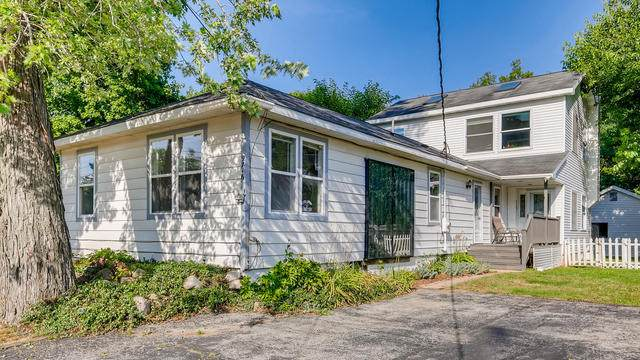 9716 Arthur Drive, Algonquin, IL 60102 (MLS #10812746) :: Schoon Family Group
