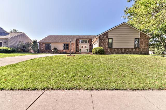 2913 Prairie Meadow Drive, Champaign, IL 61822 (MLS #10812950) :: The Spaniak Team