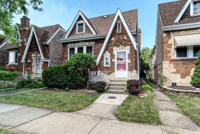 2530 Oak Park Avenue, Berwyn, IL 60402 (MLS #10812974) :: Lewke Partners