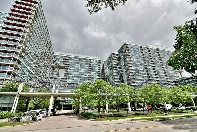 9655 Woods Drive #1409, Skokie, IL 60077 (MLS #10812992) :: Angela Walker Homes Real Estate Group