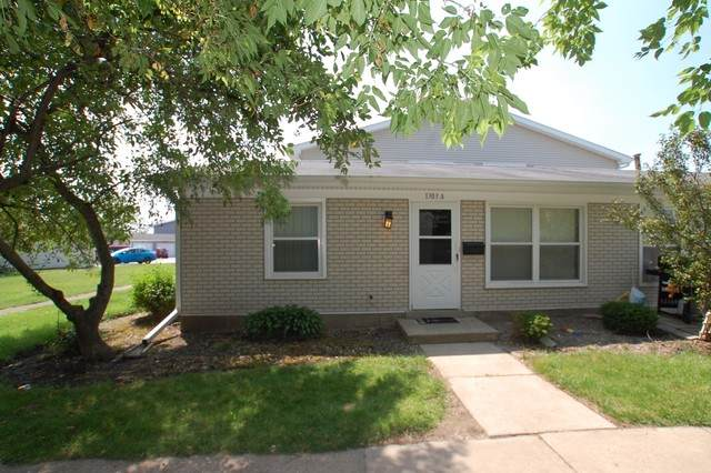 1303 Kingsbury Lane A, Hanover Park, IL 60133 (MLS #10813053) :: John Lyons Real Estate