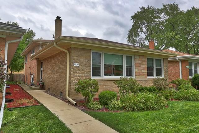 7539 Laramie Avenue, Skokie, IL 60077 (MLS #10813100) :: Angela Walker Homes Real Estate Group