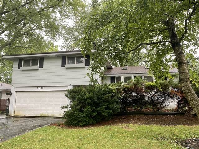 1311 E Ironwood Drive, Mount Prospect, IL 60056 (MLS #10813463) :: Angela Walker Homes Real Estate Group