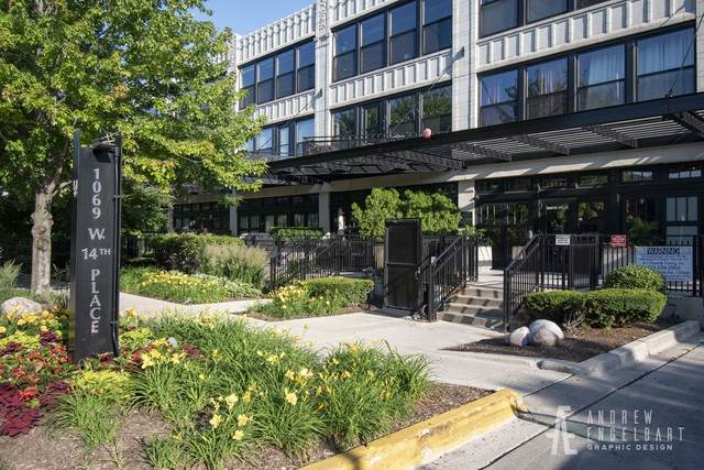 1033 W 14th Place #139, Chicago, IL 60608 (MLS #10813556) :: John Lyons Real Estate