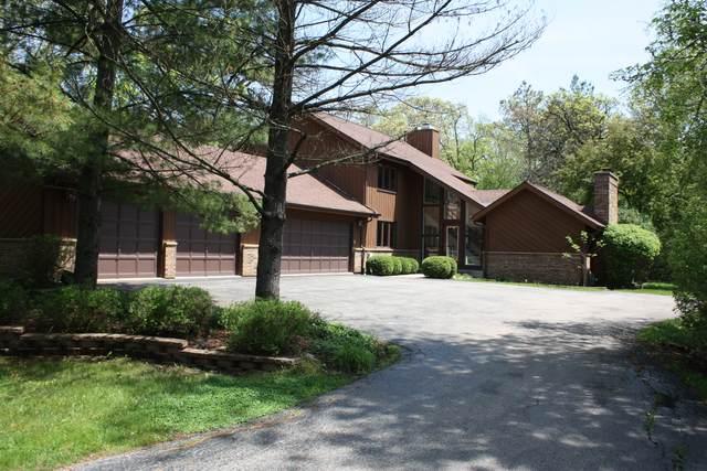 6 Wooded Lane, Hawthorn Woods, IL 60047 (MLS #10813854) :: John Lyons Real Estate
