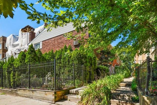 1122 W Morse Avenue C, Chicago, IL 60626 (MLS #10814322) :: Jacqui Miller Homes