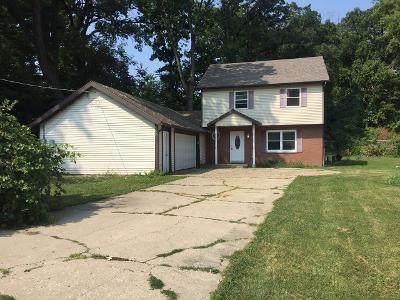 5409 Eisenhower Drive, Wonder Lake, IL 60097 (MLS #10815039) :: Littlefield Group