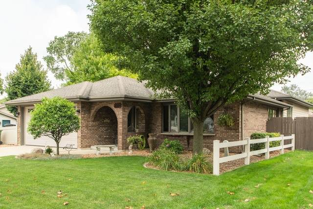 5914 W 90th Place, Oak Lawn, IL 60453 (MLS #10815413) :: The Wexler Group at Keller Williams Preferred Realty
