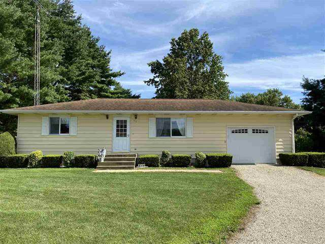 417 Maple Lane, Paw Paw, IL 61353 (MLS #10815469) :: Lewke Partners