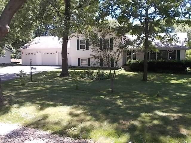 1403 E 28th Street, Sterling, IL 61081 (MLS #10815688) :: Knott's Real Estate Team