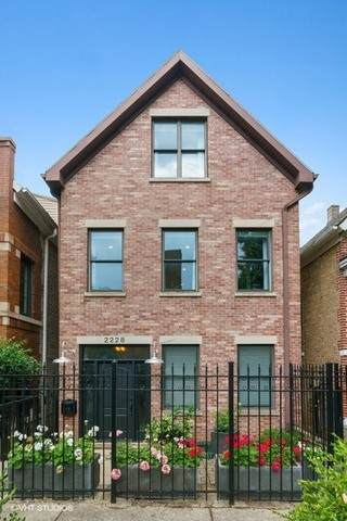 2228 W Dickens Avenue, Chicago, IL 60647 (MLS #10815888) :: Angela Walker Homes Real Estate Group
