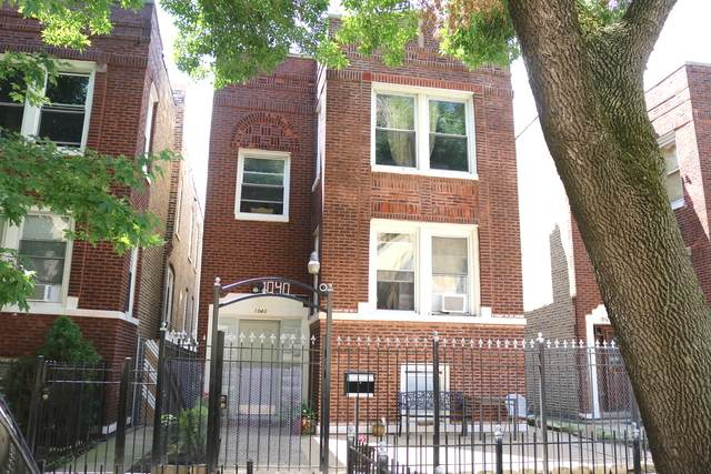 1040 N Trumbull Avenue, Chicago, IL 60651 (MLS #10816184) :: Helen Oliveri Real Estate