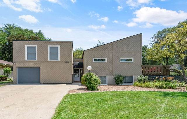 1822 Virginia Court, Elgin, IL 60123 (MLS #10817139) :: Property Consultants Realty