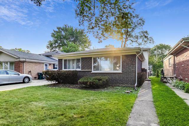 620 Laramie Avenue, Wilmette, IL 60091 (MLS #10817735) :: Helen Oliveri Real Estate