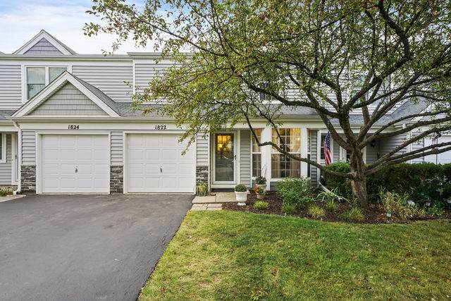 1822 College Green Drive, Elgin, IL 60123 (MLS #10817744) :: Property Consultants Realty