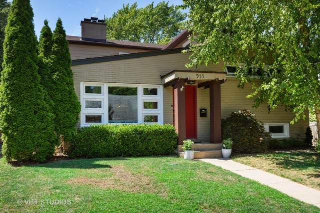 935 Oxford Lane, Wilmette, IL 60091 (MLS #10817865) :: Helen Oliveri Real Estate