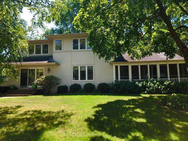 26880 N Circle Drive, Mundelein, IL 60060 (MLS #10818163) :: John Lyons Real Estate