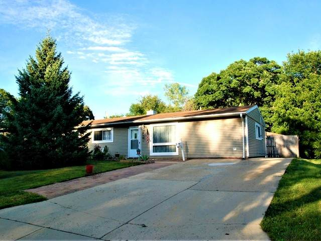 5 Center Road, Streamwood, IL 60107 (MLS #10819143) :: Littlefield Group