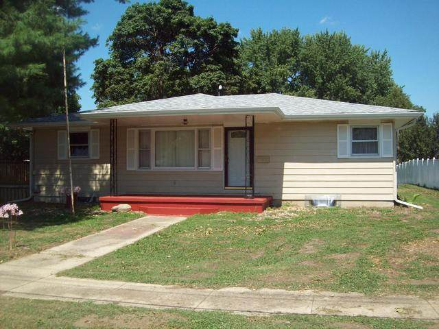 311 E Market Street, Tampico, IL 61283 (MLS #10819262) :: Knott's Real Estate Team