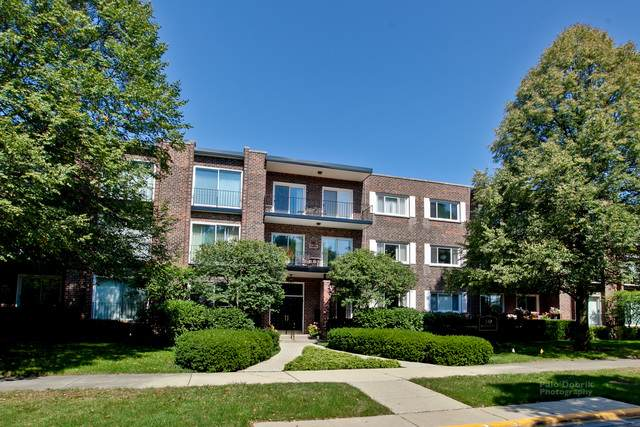 140 Franklin Place #208, Lake Forest, IL 60045 (MLS #10825222) :: John Lyons Real Estate
