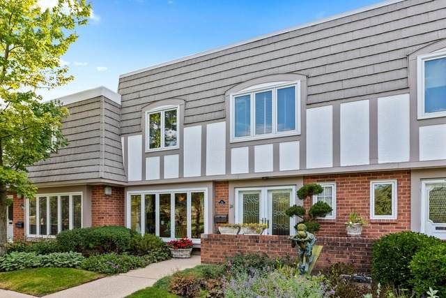 704 Lorraine Circle, Highland Park, IL 60035 (MLS #10826961) :: Littlefield Group