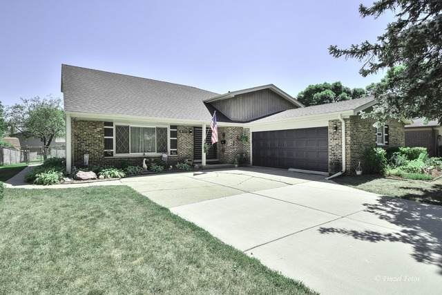 1727 E Waverly Court, Arlington Heights, IL 60004 (MLS #10827385) :: BN Homes Group