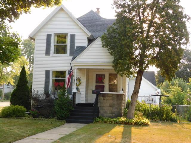 1304 Garfield Avenue, Belvidere, IL 61008 (MLS #10835565) :: Suburban Life Realty