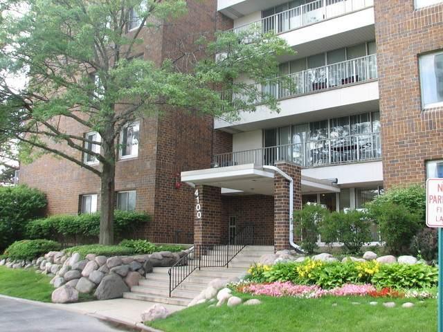4100 Triumvera Drive B405, Glenview, IL 60025 (MLS #10836278) :: John Lyons Real Estate