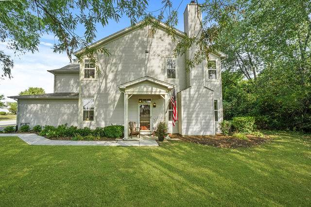 3025 Pleasant Plains Drive #3025, St. Charles, IL 60175 (MLS #10836638) :: John Lyons Real Estate