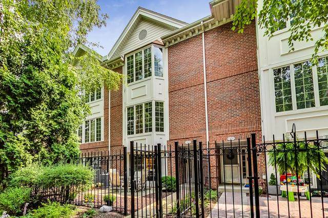 1149 W Vernon Park Place O, Chicago, IL 60607 (MLS #10836897) :: Littlefield Group