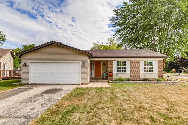 5S723 Starling Court, Naperville, IL 60540 (MLS #10839580) :: John Lyons Real Estate