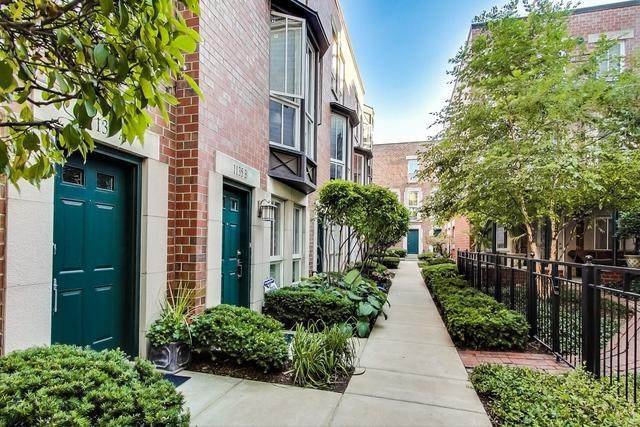 1125 W Newport Avenue, Chicago, IL 60657 (MLS #10843251) :: Littlefield Group