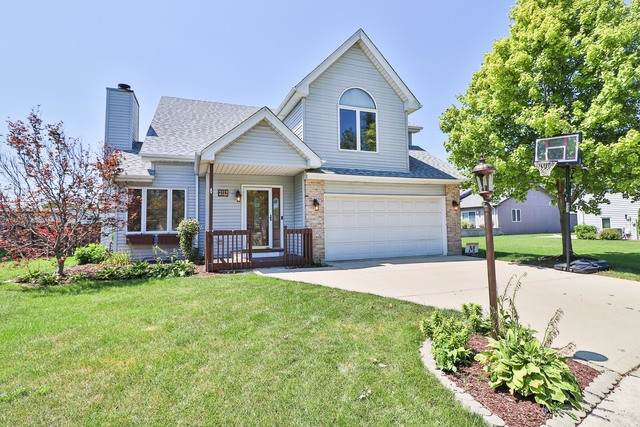 3112 Courtney Lane, South Chicago Heights, IL 60411 (MLS #10843455) :: John Lyons Real Estate