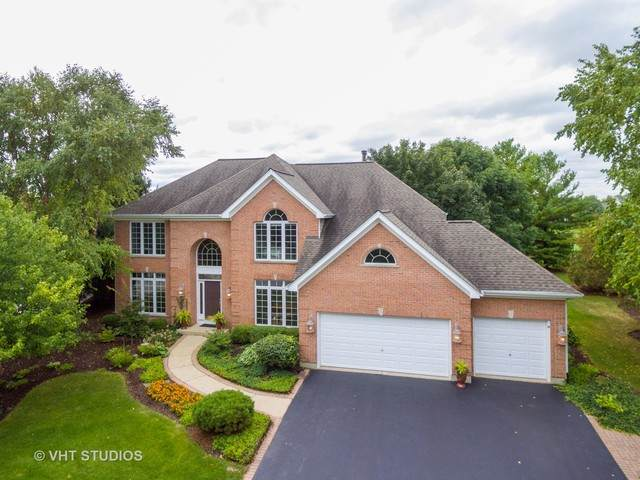 2220 Kings Court, Geneva, IL 60134 (MLS #10845906) :: Lewke Partners