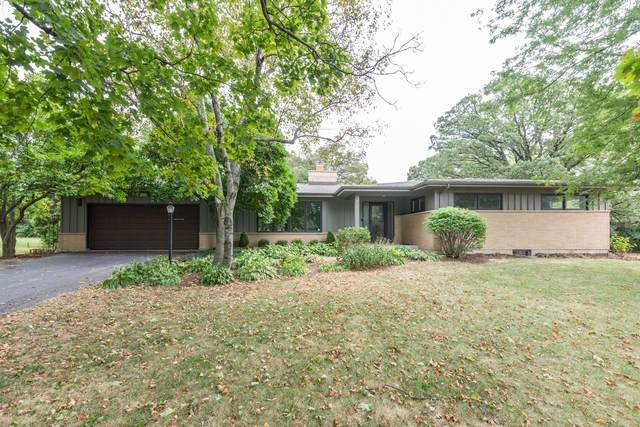 924 Forest Drive, Elgin, IL 60123 (MLS #10846085) :: John Lyons Real Estate