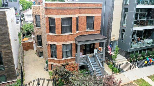 2930 W Palmer Street, Chicago, IL 60647 (MLS #10847824) :: John Lyons Real Estate