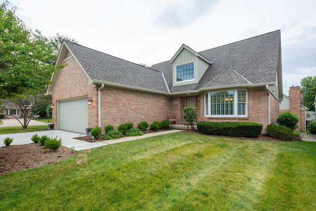 914 Wedgewood Drive, Crystal Lake, IL 60014 (MLS #10853280) :: John Lyons Real Estate