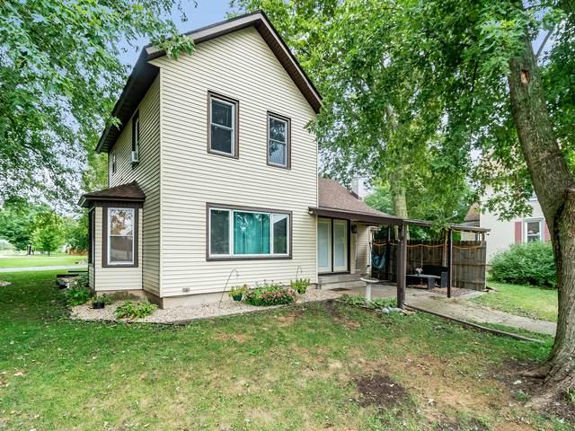 130 W Sheridan Avenue, Sheridan, IL 60551 (MLS #10853532) :: Helen Oliveri Real Estate