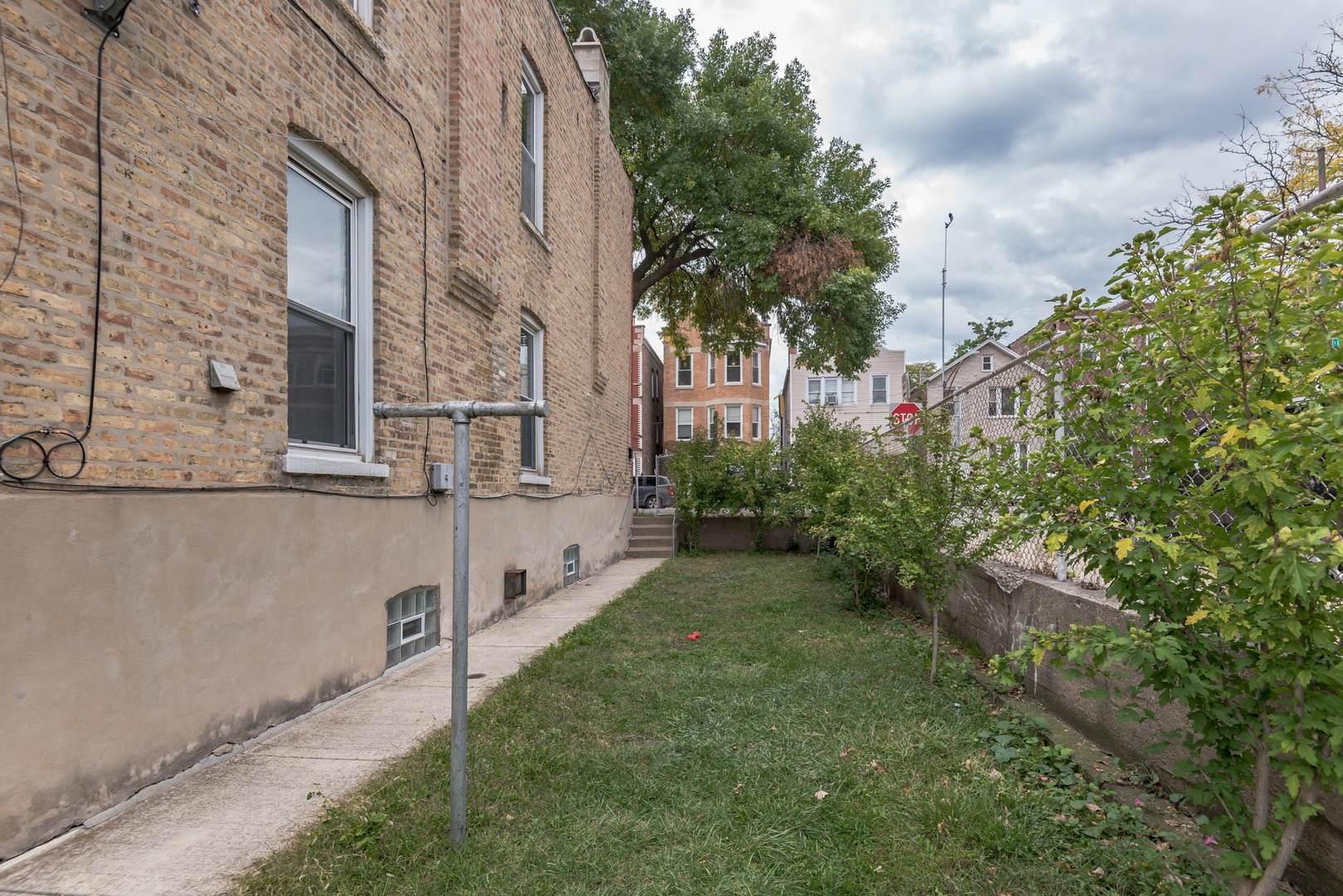 3220 S Lituanica Avenue, Chicago, IL 60608 (MLS #10853731) :: Littlefield Group