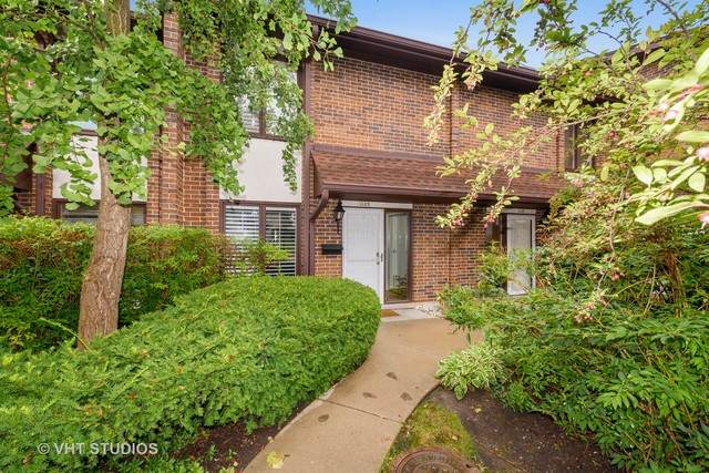 1109 Deerfield Place, Highland Park, IL 60035 (MLS #10854330) :: John Lyons Real Estate