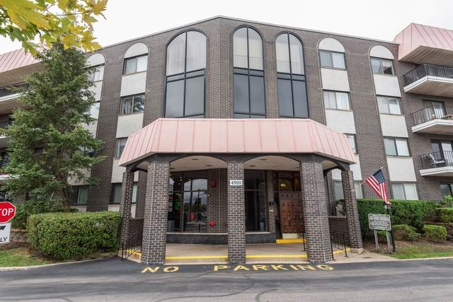 4901 Golf Road #404, Skokie, IL 60077 (MLS #10854382) :: Property Consultants Realty